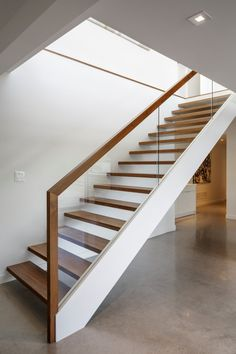 Glass & wood handrail with open treads - Dunrobin Shore by Christopher Simmonds Architect