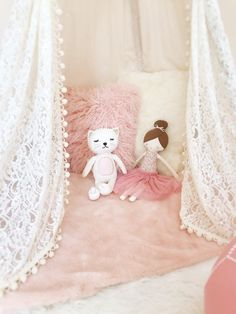 Feminine Floral Toddler Transition Bedroom - blush pink and cream Toddler Girl Gifts, Little Girl Gifts, Cream Nursery, Girl Nursery, Pink Bedroom For Girls, Girl Rooms, Floral Bedroom, Pink Images, Floral Theme