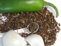 Oven Dried Jalapeno Peppers and Garlic powder    Read more at: http://www.food.com/recipe/oven-dried-jalapeno-peppers-and-garlic-powder-76201?oc=linkback