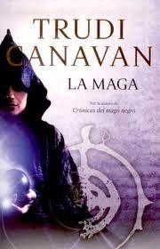 Este libro es de la escritora Trudi Canavan, y me ha resultado ameno de leer, muy fiel al estilo de ella