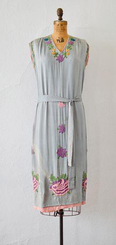 Vintage 1920s pale blue grey silk dress with bold floral soutache appliqué. #1920s #20svintage
