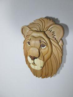 León vista Intarsia taracea madera escultura por McIntyresIntarsia