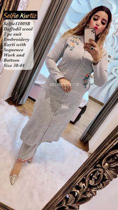 Kurti Embroidery Design, Embroidery Suits, Flower Embroidery, New Suit Design, Fancy Dress Design, Modest Fashion Hijab, Fashion Dresses, Women's Fashion, Kurta Designs
