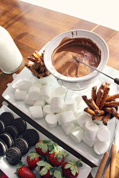 Amelia Marie: Chocolate Fondue Bar on each table Delicious Desserts, Dessert Recipes, Yummy Food, Chocolate Fondue Bar, Chocolate Hummus, Chocolate Art, Fondue Raclette, Fondue Party, Fondue Recipes