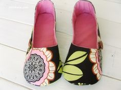 Pattern for women's shoes