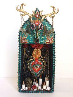 Gypsy sacred heart deer skull shrine van blackopalart op Etsy