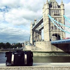 The Milan Rosegold enjoys its view over the Towerbridge in London.  #windandvibes #MyTripMyStyle