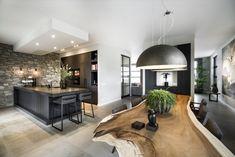 RMR interieurbouw - Woning Gelderland - Hoog ■ Exclusieve woon- en tuin inspiratie. Style At Home, Interior Design Living Room, Living Room Designs, Cocinas Kitchen, Dark Interiors, Küchen Design, Inspired Homes, Luxury Interior, Home Fashion