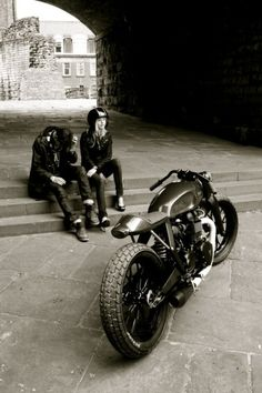 Monday Motorcycle Blues ~ Return of the Cafe Racers