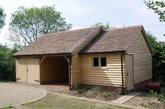 Mitre Oak is a family run business based in Worcestershire providing bespoke oak garden rooms, oak garages , oak garage kits and more. Portable Carport, Carport Canopy, Carport Garage, Carport Ideas, Timber Frame Garage, Timber Frame Homes, Carport Prices, Aluminum Carport, Carport Covers