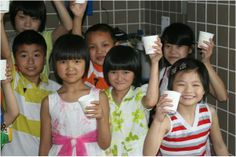 The children of China salute the clean-water efforts of A Child's Rights.
