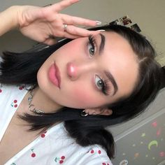 10 Ultimate Summer Makeup Trends That Are Hotter Than The Summer Days Kiss Makeup, Cute Makeup, Pretty Makeup, Makeup Looks, Hair Makeup, Makeup Trends, Makeup Tips, Beauty Makeup, Hair Beauty