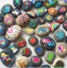 Check out these 25 creative rock crafts for kids. From rock painting and rock stamps to rock jewelry and rock puzzles, you'll find rock craft for all ages. Rock Painting Patterns, Rock Painting Ideas Easy, Rock Painting Designs, Paint Designs, Painting Tips, Rock Painting Supplies, Art Supplies, Painted Rocks Kids, Painted Stones