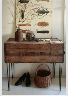 Wood crate entry table