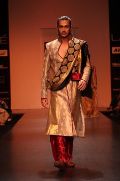 Kurta and contrasting dupatta  Is it ok to drool just a little? Men's fashion.