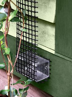 Wall Trellis: Scroll Trellis Made from Plastic Mesh
