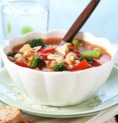 En slik suppe takker alle ja til - Søk Pasta Salad, Salsa, Soup, Meat, Chicken, Dinner, Ethnic Recipes, Posts, Facebook