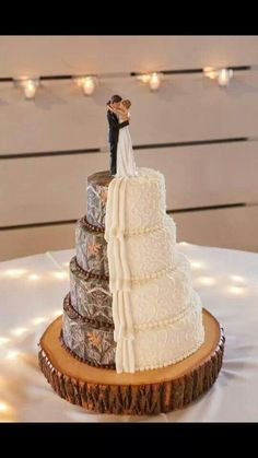 Ha ha! Camouflage is my favorite color.  Half and half wedding cake