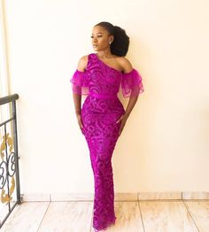 Aso ebi styles are everything If your an aso ebi lover like me. Diyanu Aso ebi styles are everything If your an aso ebi lover like me. Aso Ebi Lace Styles, Lace Gown Styles, African Lace Styles, African Lace Dresses, Latest African Fashion Dresses, African Print Fashion, African Style, Nigerian Lace Dress, Nigerian Dress Styles