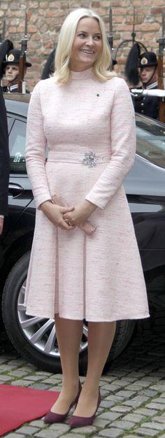 Y la falda de moda entre la realeza es...