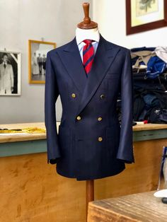 The Doublebreasted suit Stylish Mens Outfits, Stylish Mens Fashion, Modern Fashion, Mens Fashion Blazer, Suit Fashion, Fashion Looks, Mens Attire, Mens Suits, Blazers