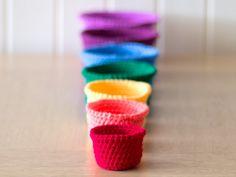 Tutorial: rainbow crocheted nesting baskets. Lovely!