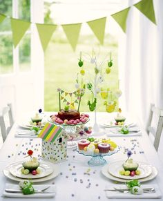 Gorgeous Easter Table! - celebrationsathomeblog.com