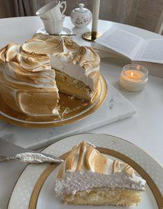 Think Food, I Love Food, Good Food, Yummy Food, Pretty Cakes, Cute Cakes, Cute Desserts, Cafe Food, Aesthetic Food
