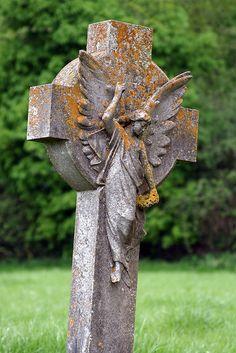 cemetery angel . . .~ ღ Skuwandi