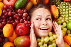 Skin diet is very important. When your diet is missing certain foods for healthy skin, it could trigger unpleasant skin reactions such as acne, dryness, eczema, psoriasis. Foods For Healthy Skin, Healthy Recipes, Healthy Hair, Healthy Snacks, Jar Recipes, Stay Healthy, Low Carb Paleo, Onigirazu, Juice Plus