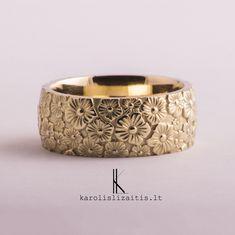 lizaitisjewelleryAuksinis pakabukas. Golden pendant. #karolislizaitis #jewellery #jewelry #vilnius #juvelyras #lietuva #geriausias #originalus #auksas #vestuviniai #suzadetuves #vestuves #prabanga #papuosalai #dizainas #f4f #lfl #follow #bracelet #pendantoftheday t#gold