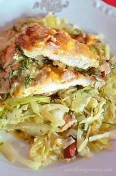 Kurczak na młodej kapuście (Zapiekanka z młodej kapusty z kurczakiem i boczkiem) Burrito Chicken, B Food, Food Tags, Keto Meal Plan, Avocado, Meal Planning, Main Dishes, Chicken Recipes, Cabbage