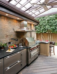 Love this outdoor bbq/kitchen area.