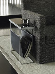 magazine rack - duende // http://global.rakuten.com/en/store/s-deco/item/duende_002/?s-id=borderless_recommend_item_en