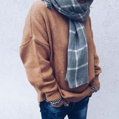 #cosy #sweater #scarf #camel #grey #fall #winter #knit Sweater Scarf, Cosy, Camel, Fall Winter, Photo And Video, Knitting, Sweaters, Instagram, Casual Dress Outfits