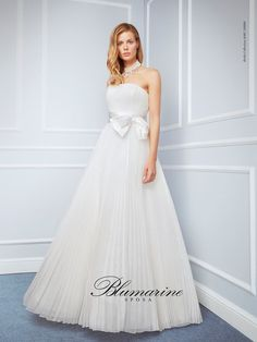 Visit the official Blumarine ® online store to see the latest fashionable looks. Wedding Pics, Wedding Blog, Wedding Dresses, One Shoulder Wedding Dress, Bridal, Shopping, Beauty, Collection, Primavera Estate