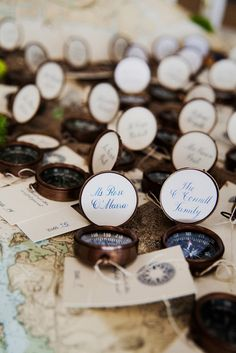 A compass to guide you to your table. Such a fun idea for an alternative seating card! #wedding #details