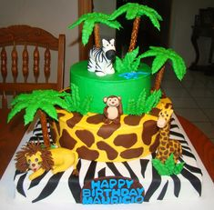 I pinned this cake as inspiration for the trees. I'm considering that. Birthday Treats, 3rd Birthday, Happy Birthday, Birthday Parties, Jungle Cake, Jungle Party, Tree Trunks, Creative Cakes, Party Themes