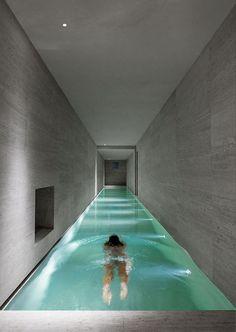Le couloir de nage est un type de piscine qui permet de pratiquer la natation chez soi de manière confortable. Zoom sur le couloir de nage à domicile.