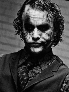 Heath Ledger-The Joker … Der Joker, Heath Ledger Joker, Joker Art, Joker Batman, Joker Images, Joker Pics, Joker Pictures, Dc Comics, Kings & Queens
