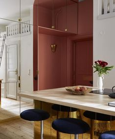 Quirky Stockholm flat with bold choices - via Coco Lapine Design blog