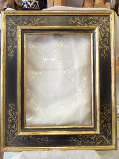 """ADVANCED LEVEL WATER GILDING - Reproduction of ancient Italian frame XVI century,gilt with fine gold leafe , lacquered with natural pigments, """"prezzemolo"""" decoration"""