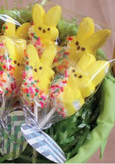 Decorated Marshmallow Bunny Pops -- An easy party favor to give your guests at your Easter dinner party.