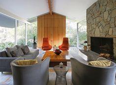 Midcentury modern interior design in Altadena, California. Modern Interior Design, Interior Design Inspiration, Altadena California, Design Apartment, Midcentury Modern, Mid Century, Interiors, Mansions, Landscape
