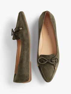 You'll be a standout in our Francesca Bow-Front Driving Flats - only at Talbots! Womens High Heels, Womens Flats, Oxfords, Loafers, Shoe Wardrobe, Mocassins, Best Running Shoes, Pretty Shoes, Water Shoes