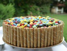 Szülinapi torta | HahoPihe Konyhája - Receptneked.hu Sprinkles, Candy, Recipes, Food, Essen, Meals, Sweets, Ripped Recipes, Eten