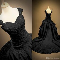 Vintage Plus Size Black Wedding Dresses Lace Appliques Beads Pleats Draped Formal Bridal Gowns 2016 Custom Made Real Photos Wedding Bridal