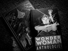 """#NewBooks #Livres - Mes nouveaux livres reçus à Noël, sous le signe de la bande dessinée, avec """"Wonder Woman"""" et """"Les Trois Fantômes de Tesla""""! :)"""