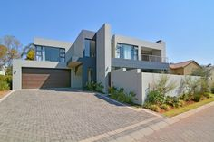 4 Bedroom , 3 bath Cluster for Sale in Beverley - Luxury awaits you in this magnificent residence . Property for sale in Gauteng, Sandton, Beverley Modern Homes, Property For Sale, House Ideas, Bath, Mansions, Bedroom, Luxury, House Styles, Home Decor