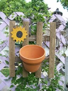 This garden hanger was made from old leftover barn wood and fence boards from previous projects, a recycled clay pot and baling wire. It is simple and quick and can easily be hanging on your garden gate by noon. Picket Fence Garden, Garden Fencing, Garden Gate, Picket Fences, Farm Fence, Fence Landscaping, Backyard Fences, Front Yard Fence, Fence Gates